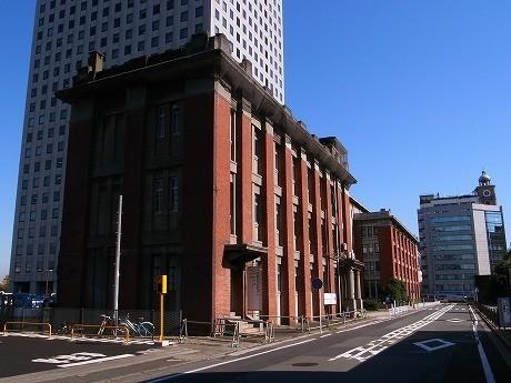 会場の北仲スクール(横浜市文化財指定歴史的建造物)