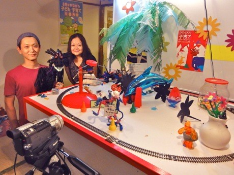 クリエイター支援スペース「自在関内オフィス」代表の今井嘉江さんとアーティスト・須永健太郎さん