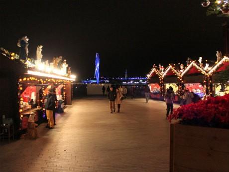 「クリスマスマーケット in 横浜赤レンガ倉庫」の様子