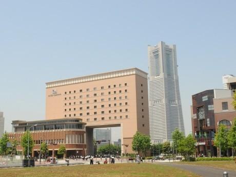 横浜国際船員センター「ナビオス横浜」外観