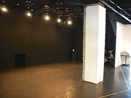 十六夜吉田町スタジオのステージエリア