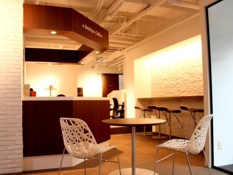 「勉強カフェ」の内装の様子