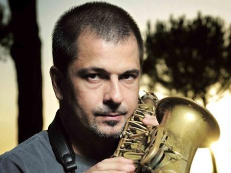 イタリアを代表するアルト・サックス奏者ロザリオ・ジュリアーニが初来 ...