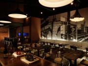 赤レンガ倉庫にオーブン・ハウス「OVEN SAUSAGE & PIZZA TUNE」