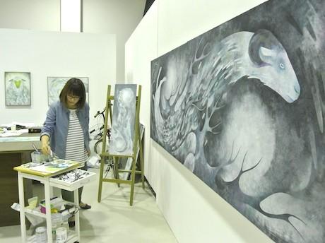 「ハンマーヘッドスタジオ 新・港区」内にある佐野彩夏さんのアトリエ