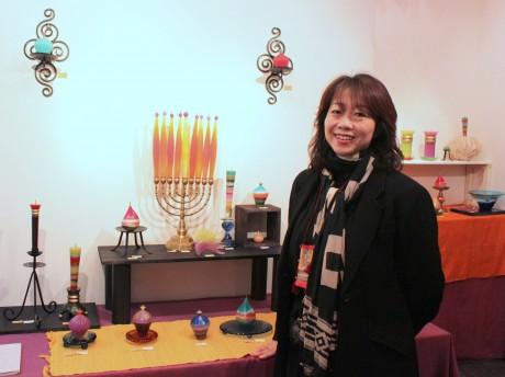 Candle展の会場で、キャンドル作家の瀧田さり奈さん