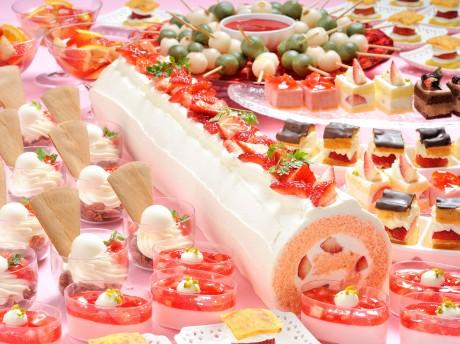 ナイトスイーツビュッフェ「Sweets Parade~ストロベリーフェア~」