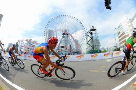 山下公園周辺で「世界トライアスロンシリーズ横浜大会」
