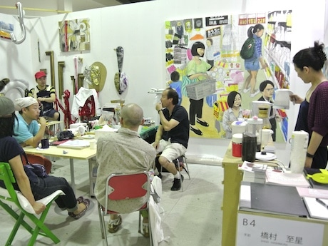 「ハンマーヘッドスタジオ 新・港区」内のアーティスト・橋村至星さんと三枝聡さんのアトリエ
