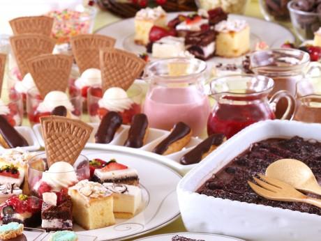 ナイトスイーツブッフェ「Sweets Parade」