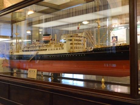 縮尺48分の1の日本郵船氷川丸模型(全長3.4メートル、幅42センチメートル)