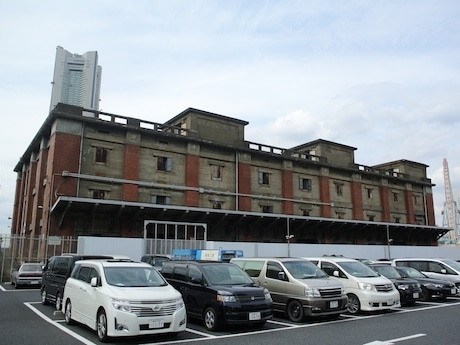歴史的建造物に認定された「旧帝蚕倉庫」