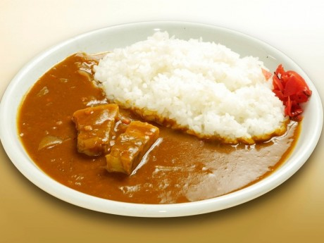 「うまや角煮カレー」を15円で提供