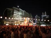 臨港パークで夏の風物詩「みなとみらい大盆踊り」-カレーバトルも