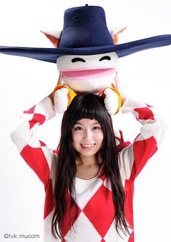 今回展示されるシンガーのトミタ栞さんの写真