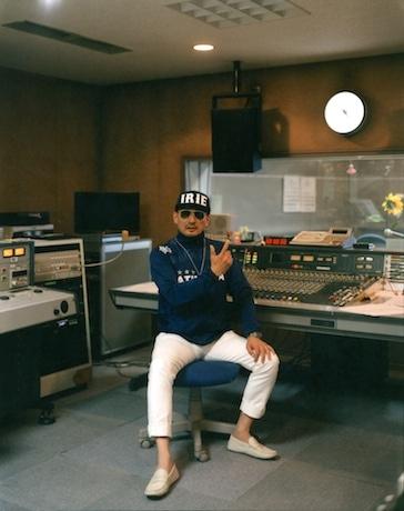 インタビューに答えたスペシャルゲストの横山剣さん(クレイジーケンバンド) 写真:加藤甫