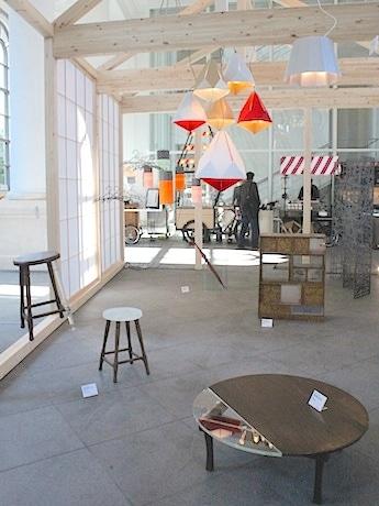 市内の中小企業と横浜ゆかりのクリエーターによる実験的なプロダクトを展示する「ヨコハマの家」