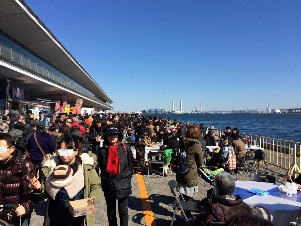 横浜港大さん橋マルシェの様子