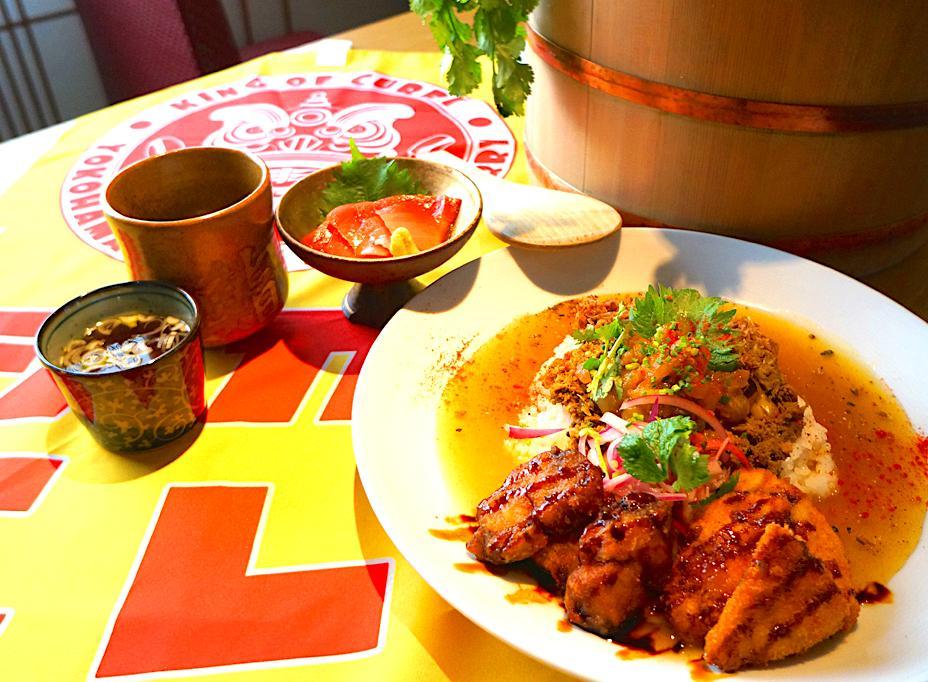中華街の寿司店「辰すし」が「ヨコハマシャリランカカレー」 寿司とカレーがクロスオーバー