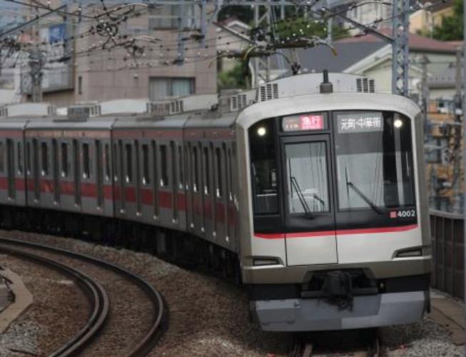 車両は東急電鉄5050系4000番台を使用