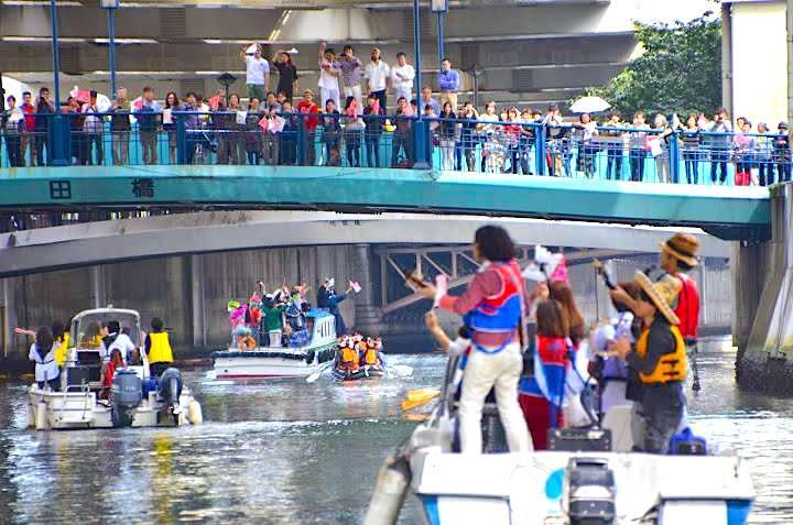過去のパレードの様子(提供:HamaBridge濱橋会)