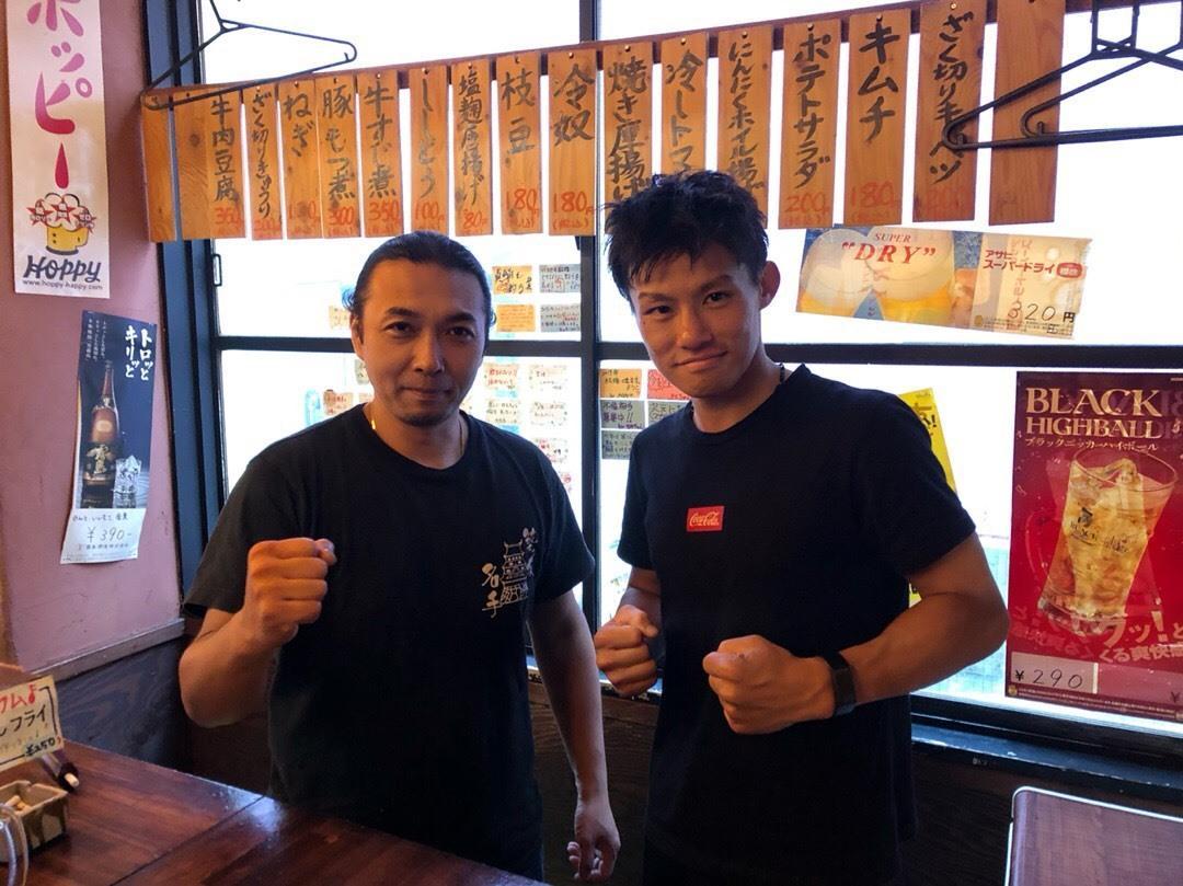 水谷直人さん(右)と黒船屋の大川努社長