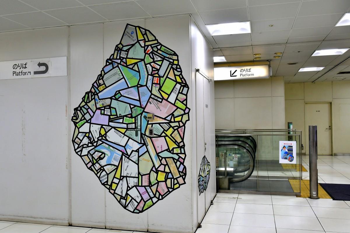 元町・中華街駅に展示されているアート作品 金子未弥「未発見の小惑星:数光年離れた横浜」