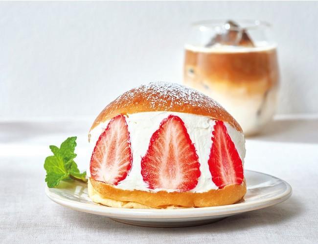 バターが香るブリオッシュと宮城県産ブランドいちごを使用したスイーツ「ミガキイチゴのマリトッツォ」
