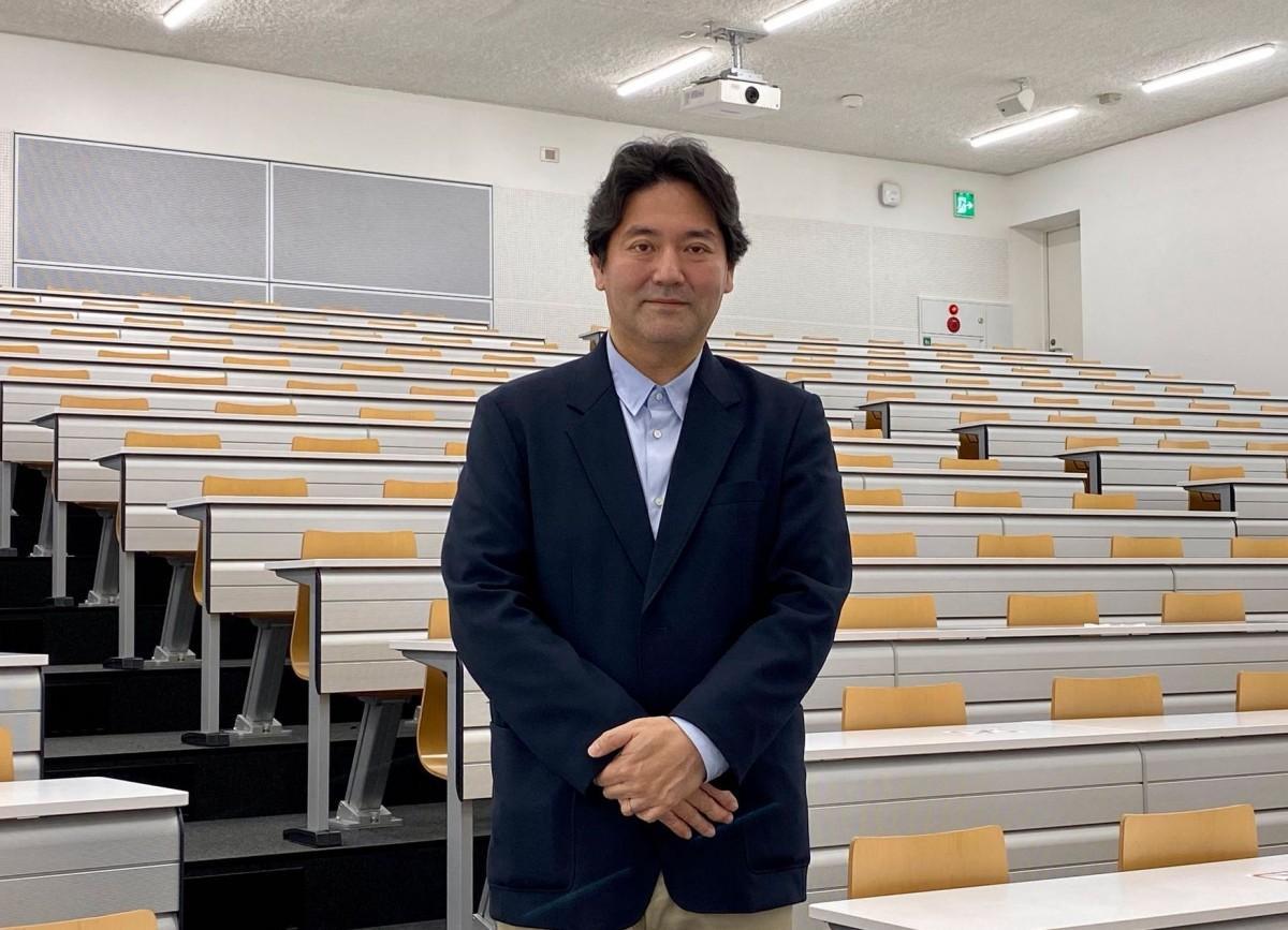 横浜市立大学国際教養学部の鈴木伸治教授(国際教養学部長)