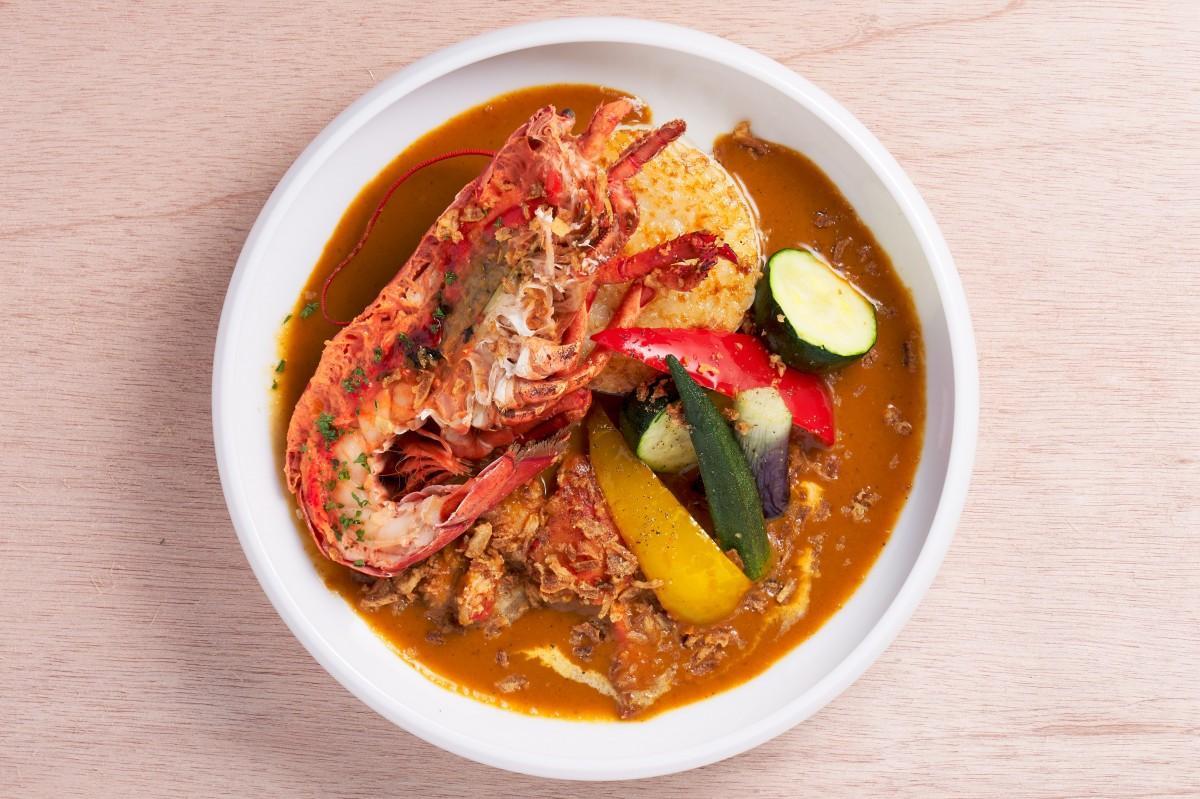 6階「OTTIMO Seafood garden」の「カナダ産オマールエビのスープカレー」