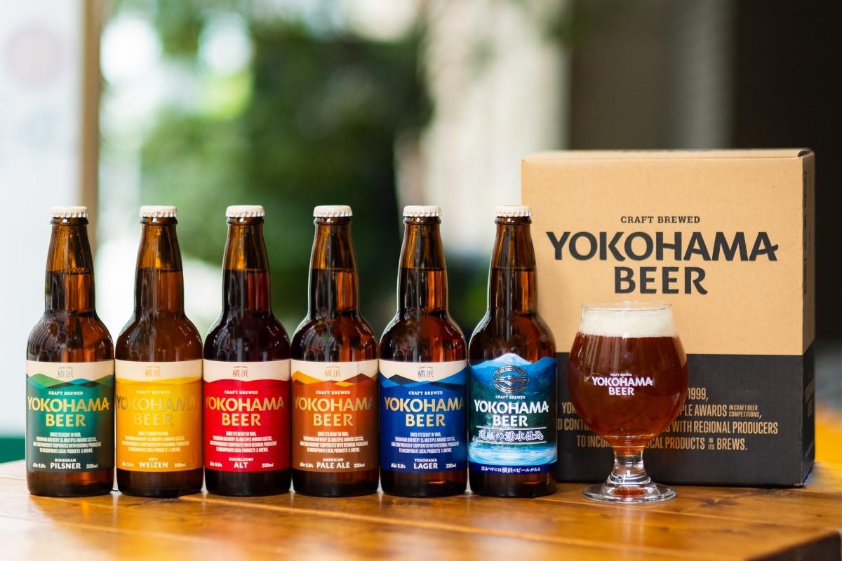 醸造見学オンラインツアー参加者に事前に届くビールのラインアップ。Aセットはビール5本、Bセットはビール5本にグラスが付く。