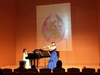 市役所でアトリウムコンサート 「絵とお話付きコンサート」やダンサーと一緒に名曲で「踊るピアノ」も