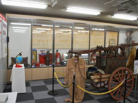 昔使われていたものから現在までの消化器などを展示している会場
