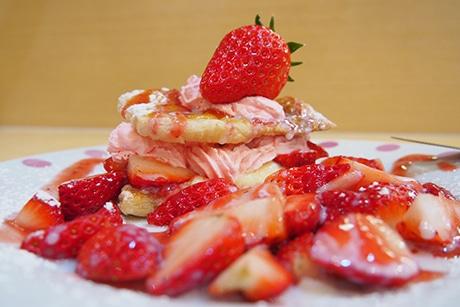 浜松・寺脇町にイチゴを使ったスイーツカフェ 仕事と夢の両立を若者へ提案