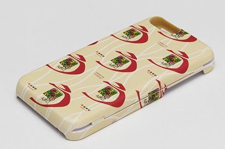 浜松の菓子店「春華堂」が「うなぎパイiPhoneケース」 くすっと笑える仕掛けも