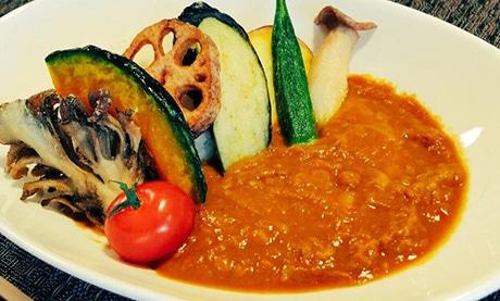 皮なし緑豆と野菜のうま味を凝縮した「ムングダル野菜カレー」