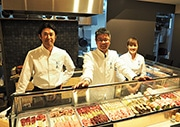 浜松・千歳町に焼き鳥とワインの店「志ノ蔵」 地元生産者らの思い込め開く