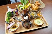 浜松・富塚町にカフェダイニング 佐鳴湖望む「時を忘れる」席を用意