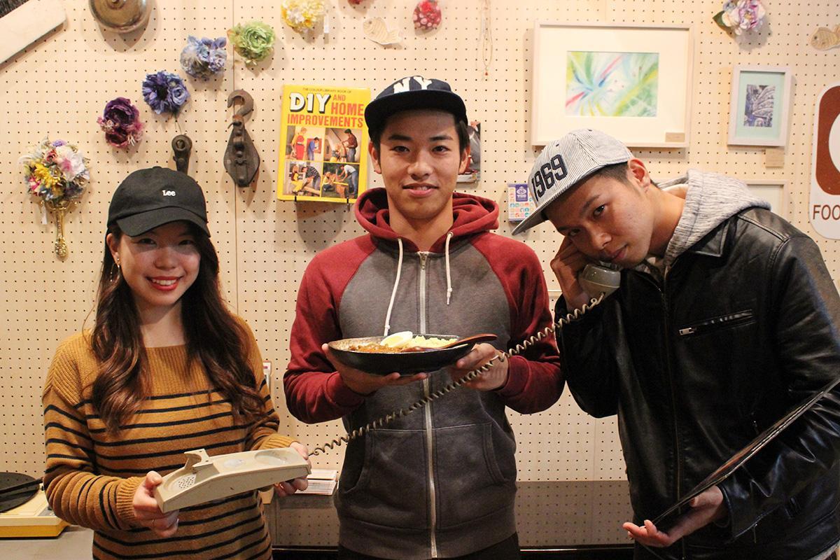 代表の相馬大和さん(中央)と今村理沙子さん(左)、平岡琢也さん(右)