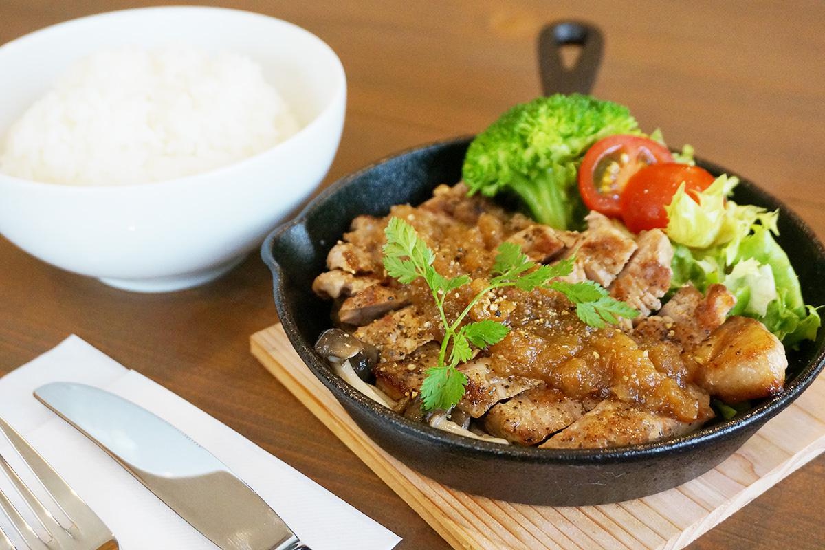 梅田ファームの熟成肉を使った「熟成肉トンテキ-梅田ファーム産」