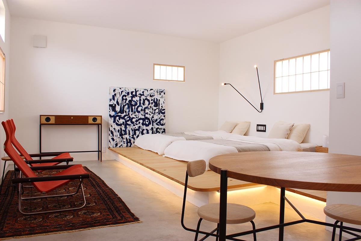 白を貴重にシンプルでラグジュアリー感を出した室内