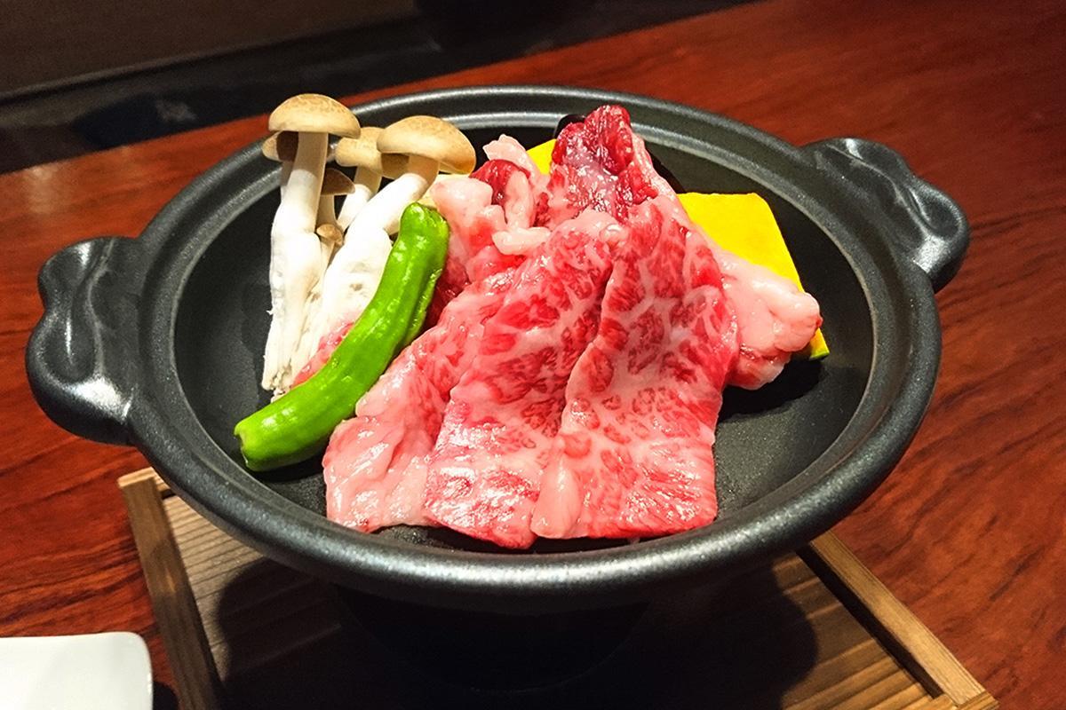峯野牛のカルビ陶板焼き