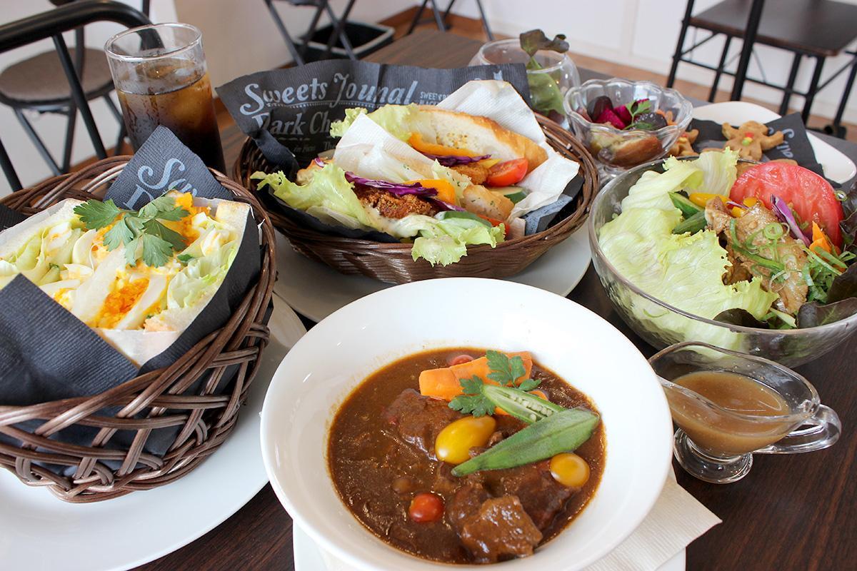 サンドメニューを中心に、浜松の安心で安全な食材を使ったメニューをそろえる