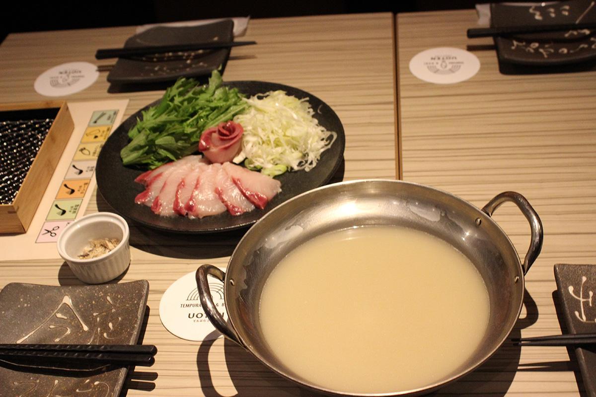 ブリのうまみが凝縮されている「ぶりのねぎしゃぶ(ぶり骨白湯スープ)」