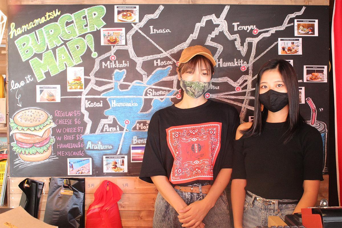 多くの来店を期待する、オーナーの田畑智佳子さん(左)と娘さん