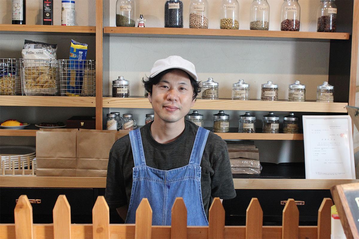 多くの人の来店を期待する、店主の田中修さん