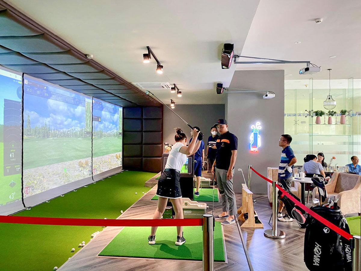 「Golf 3D cafe」の3Dシミュレーションゴルフ