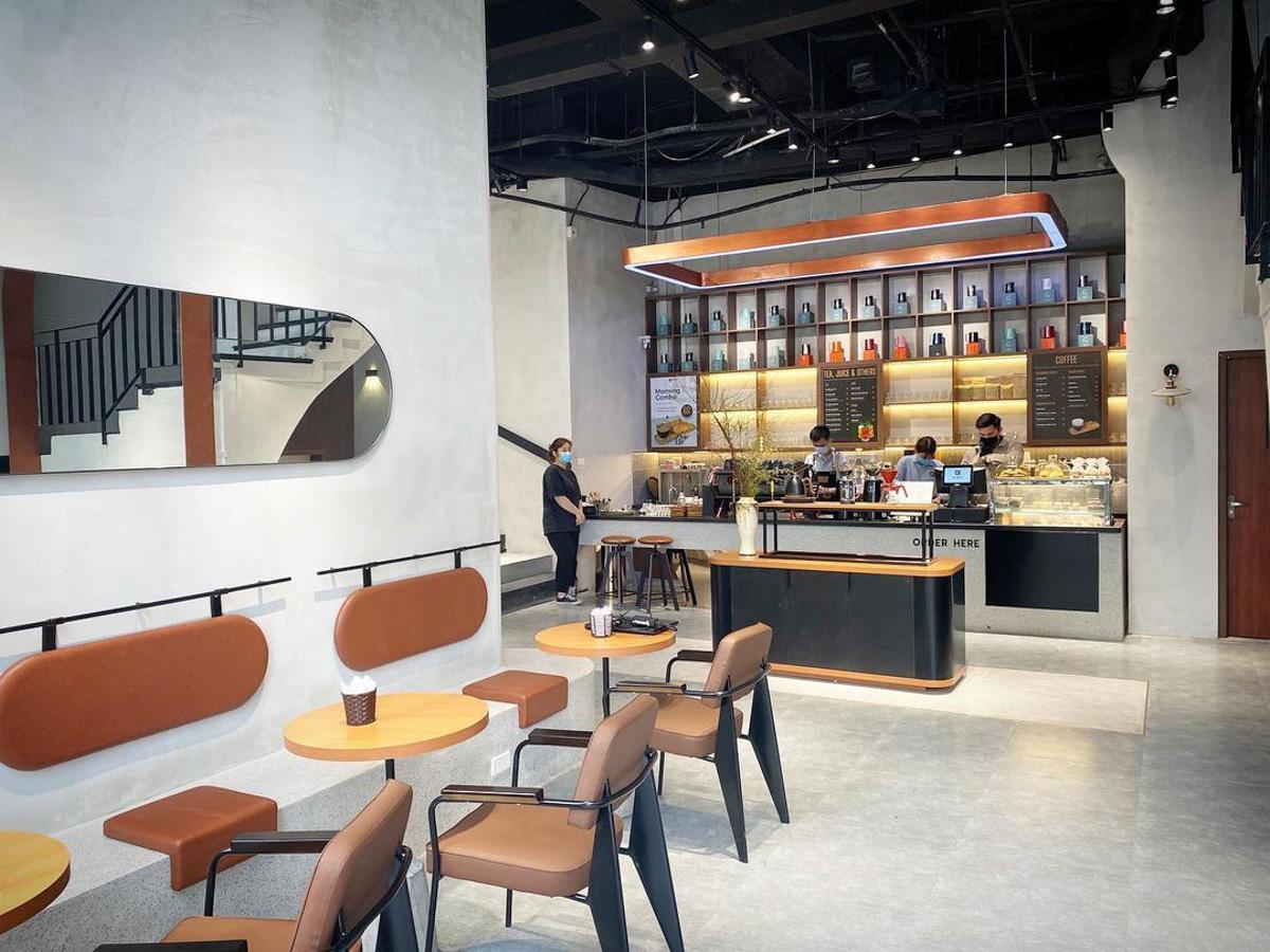 「De Ville Cafe」の店内