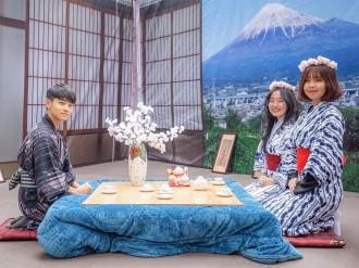 ハノイ工科大学で「お正月祭り」 日本の四季をテーマに、「ひこにゃん」も