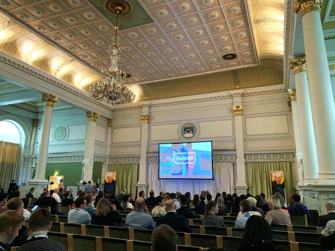 ヘルシンキ市庁舎内観